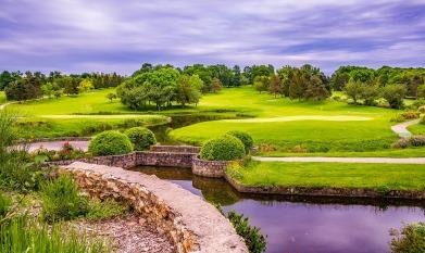 golf-course-1824369_1920